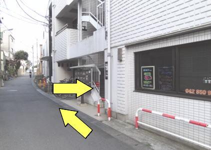 町田KKビル入り口の風景